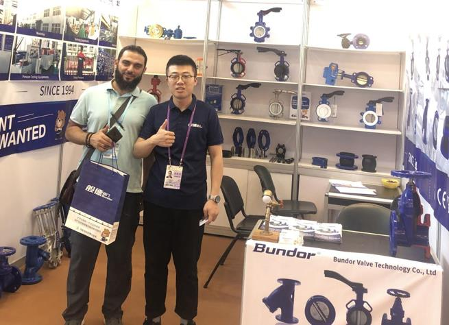 A Chilean customer received an invitation from the Bundor Canton Fair to come to Guangzhou from the distant southern hemisphere.